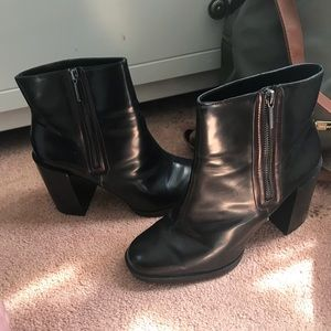 Zara boots READ DESCRIPTION